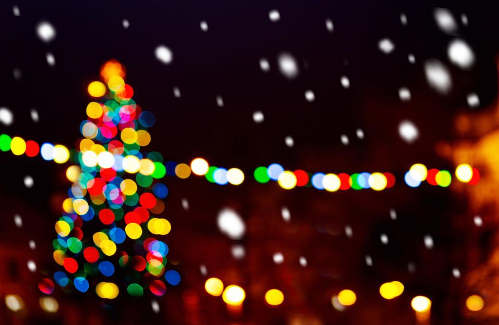 Christmas tree i the snowfall